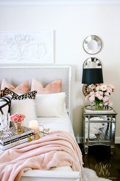 Cozy up your room with blush pink for autumn! Welcoming Fall Home Tour 2017 - Glam Fall Bedroom - Randi Garrett Design