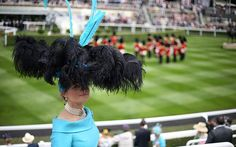 Miss Edite Ligere at Royal Ascot and wearing a necklace like a Royal 2015