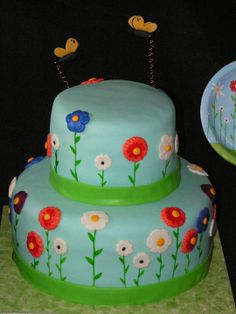 Flower and butterfly cake to match paper products
