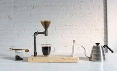 Pour over pasti memerlukan dripper coffee untuk menghasilkan kopi nikmat. Oleh karena itu, alat yang satu ini adalah unsur penting dalam kegiatan seduh menyeduh. MEREKA yang gemar menyeruput kopi yang dihasilkan manual brewingmethod pour over pastilah tak asing lagi dengan kehadiran coffee dripper…