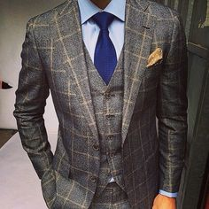 dappermenblog:  Be bold be different with a pop of color and a texture suit. #DAPPERMEN