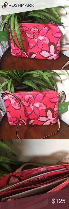 🌺🎀NWT Kate Spade Floral Crossbody Purse🌺🎀 🌺🎀NWT Kate Spade Floral Crossbody Purse is such a beautiful bag and it's vinyl material will keep this bag beautiful for years to come with it's easy wipe down material 🌺🎀 kate spade Bags Crossbody Bags