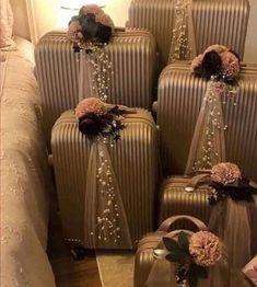 Desi Wedding Decor, Indian Wedding Decorations, Wedding Crafts, Wedding Gift Hampers, Wedding Gift Boxes, Bridal Gift Wrapping Ideas, Afghan Wedding, Bridal Gifts, Wedding Designs