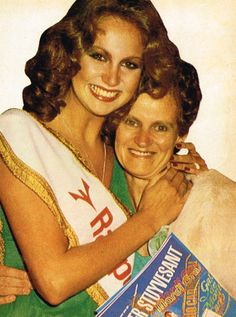 Margaret Gardiner with her mother Miss World, Beautiful Inside And Out, Pageants, Beauty Pageant, My Scrapbook, African History, African Beauty, Celebs, Celebrities