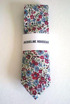 Freshen up his summer wedding attire w/ this floral necktie
