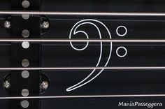 Fender Jazz Bass - 2015 Sandblasted Sapphire blue limited edition (Custom pickguard handmade by Battipenna.it, detail)