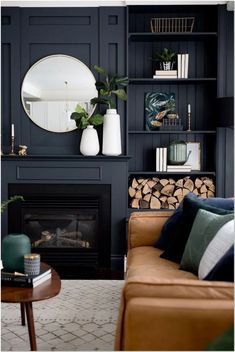 Navy Living Rooms, Accent Walls In Living Room, New Living Room, Living Room Interior, Dark Blue Living Room, Cream And Black Living Room, Living Room Decor Blue, Dark Blue Lounge, Small Living