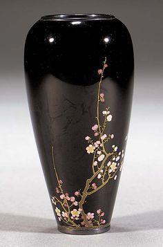 Namikawa Yasuyuki a tapring cloisonne enamel vase Circa 1900 Ceramic Painting, Ceramic Vase, Porcelain Ceramic, Ceramic Clay, Pottery Painting Designs, Pottery Designs, Glass Bottle Crafts, Bottle Art, Pottery Vase