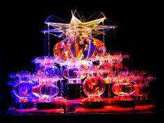 梅田で「アートアクアリウム展」-金魚シリーズ大作「大奥」、関西初登場 Fish Art, Room Inspiration, Glow, Artsy, Mix Media, Shopping Center, Aquariums, Terrarium, Theatre