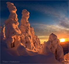 Guards Lapland ... by Valtteri Mulkahainen on 500px