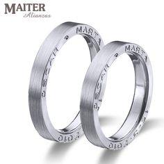 #Alianzas #boda #matrimonio colección #You & I #maiter #oro  blanco matizadas con los nombres grabados en el lateral. Podeis ponerle un #diamante entre los nombres  www.joyasmaiter.com