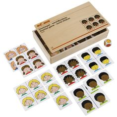 --- emotiespel --- 523078 Het emotiespel laat kinderen in aanraking komen met allerlei gevoelens en emoties. Het stimuleert op speelse wijze het praten over de eigen gevoelens en die van de andere kinderen. Inhoud: 6 spelborden met elk 4 emoties (blij, verdrietig, boos, bang), 2x 24 bijpassende kaartjes, een 'emotiedobbelsteen'. Formaat kist: 34 x 20 x 6 cm (l x b x h).
