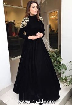 <img> Black tapeta silk embroidered partywear gown Source by - Indian Gowns Dresses, Indian Fashion Dresses, Dress Indian Style, Indian Designer Outfits, Pakistani Dresses, Designer Dresses, Black Indian Gown, Sabyasachi Gown, Indian Wedding Gowns