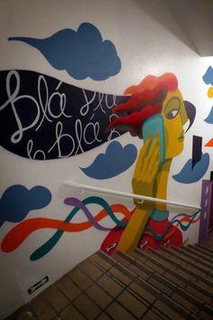 rogerio_pedro_positron_escada_cabelo_1 Arte Pop, School Murals, Street Graffiti, Mural Wall Art, Wallpaper Decor, Wall Design, Art Lessons, New Art, Art For Kids