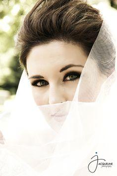 love the makeup <3