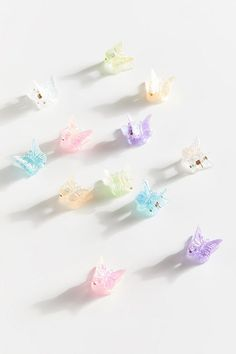 Shop Vintage Mini Butterfly Hair Clip Set at Urban Outfitters today. Clip Hairstyles, Vintage Hairstyles, Pretty Hairstyles, Urban Outfitters, Aesthetic Hair, Aesthetic Shop, Aesthetic Vintage, Butterfly Hair, Pastel Hair