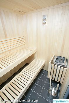 Diy Sauna, Sauna Steam Room, Sauna Room, Saunas, Sauna Design, Outdoor Sauna, Interiores Design, Home Projects, Home Remodeling