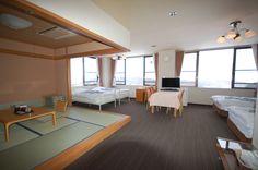 空の庭リゾート 和洋室グループルーム  415室 ✿ベッドと畳のある グループルーム。内風呂が備えてあります