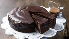 Order delicious cake online in New Zealand that delivered to their door next day. Chocolate-cake, Cheesecake & more. Online cake delivery - Order Now! Chocolate Coke Cake, Slow Cooker Chocolate Cake, Slow Cooker Cake, Chocolate Recipes, Delicious Chocolate, Food Cakes, Chocolates, Cola Cake, Decadent Cakes