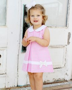 Pink Large Gingham Dress with White Bow - Babykleidung Baby Girl Frocks, Baby Girl Party Dresses, Kids Frocks, Little Girl Outfits, Little Girl Fashion, Little Girl Dresses, Fashion Kids, Kids Outfits, Flower Girl Dresses
