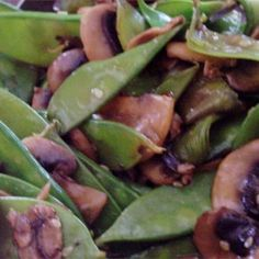 Side Dish, Stir Fried Snow Peas And Mushrooms, Snow Peas And Sliced Mushrooms Are Tossed With Sesame Seeds And Teriyaki Sauce. Pea Recipes, Side Dish Recipes, Vegetable Recipes, Vegetarian Recipes, Healthy Recipes, Peas And Mushrooms Recipe, Stuffed Mushrooms, Side Dishes Easy, Kitchens