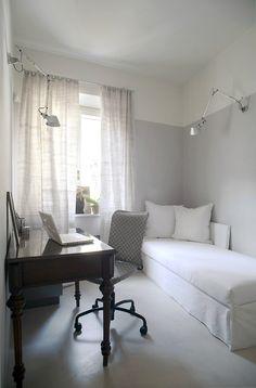 Tuscan loft recently renovated by Italian architect Sabrina Bignamifrom b-arch studio.