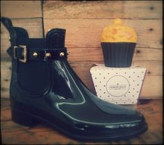 Garda | Shine on with booties that never lose the spark. Snug and tidy. Cool and sexy! MADE IN PORTUGAL * Quality Product #vegan #boots #lemonjelly