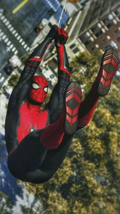Even there's so many suits available on insomniac marvel spiderman game but everyone's shold agree if the classic red and blue suit spiderma. Spiderman Suits, Spiderman Spider, Spiderman Poster, Marvel Comic Universe, Marvel Art, Amazing Spiderman, Xman Marvel, Wallpapers Games, Spaider Man