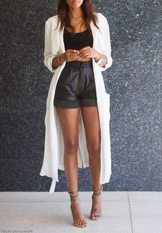 Leather shorts and long cardigan - Such a chic outfit!