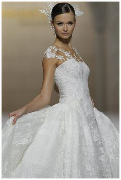 Wedding dress from the Atelier Pronovias 2015 Collection.