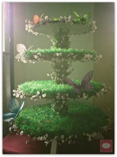1000+ ideas about Cupcake Stands on Pinterest | Tiered Cake Stands ... Fairy Birthday Party, Garden Theme Birthday, Tinkerbell Party Theme, 5th Birthday, Birthday Ideas, Tiered Cupcake Stand, Cupcake Stands, Cupcake Stand Wedding, Cupcake Tier
