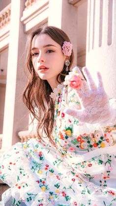"""""""You may talk to the Hand"""" Beauty Pretty People, Beautiful People, Photographie Portrait Inspiration, Western Girl, Beautiful Girl Image, Girl Poses, Girl Face, Ulzzang Girl, Stylish Girl"""
