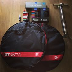 #Arthuto  #howto mount a tubeless ready tire without any problem ?  1/ take the best of  #dtswiss wheels #XRC1200 models  #schwalbetires #addix compound with #tirebooster a wonderfull #syncros floorpump FP1.5  #notubes race sealant  2/ pump like youre crazy  into the tirebooster until 11bars  3/ mount tires on wheels like dad in mum  with #easyfit (not durex !) Deliver the cu...the sealant into the tire Remove valve shell  4/ connect the tirebooster to wheelss valve and NOW DELIVEEEEER THE…
