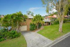 27 Dundee Drive, Banora Point, NSW 2486 Dundee, Townhouse, Property For Sale, Sidewalk, Villa, Real Estate, Homes, Houses, Terraced House