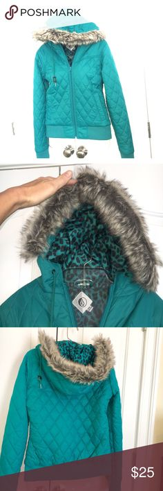 Volcom Puffy Jacket Juniors Volcom Puffy Zip Up Jacket. Removable Faux fur hood trim. Rib knit waist and wrist. Animal print lining. Turquoise in color. Never worn. Volcom Jackets & Coats Puffers