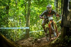 VIDEO Muddy Downhill MTB Racing in Cairns – UCI MTB World Cup 2014 Recap