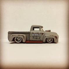Custom Hot Wheels, Hot Wheels Cars, Toys For Boys, Boy Toys, Tonneau Cover, Small Cars, Chevrolet Silverado, Scale Model, Rc Cars