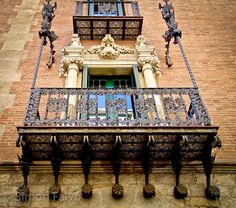 """Beautiful! """"Exquisite Modernisme Windows in #Barcelona"""" #FriFotos by @1step2theleft"""