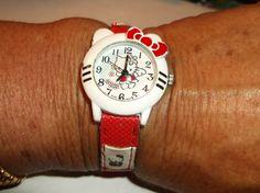 HELLO KITTY Wristwatch - white face