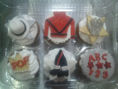Cake AND MJ?  Yes, please.    Michael jackson cupcakes