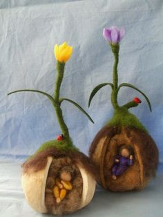 Ideas for a spring nature table Wet Felting, Needle Felting, Waldorf Crafts, Waldorf Toys, Steiner Waldorf, Spring Nature Table, Felt Fairy, Felting Tutorials, Fairy Dolls