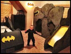 these batman beds are awesome! Playhouse Bed, Batman Bedroom, Baby Batman, Superhero Room, Kids Bedroom, Bedroom Ideas, Kid Beds, Play Houses, Boy Room