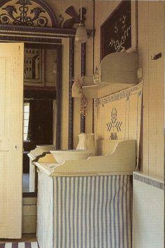 Interior da casa Lylla Hyttnäs, em Sundborn, na província de Dalarna, Suécia, de…