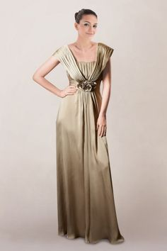 53fa1431a05587 Simple Mother of the Bride Dress with a Flower Mother Of The Bride