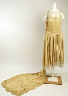 Wedding dress Date: 1926 Culture: American Medium: silk Dimensions: Length at CB (including train): 91 in. (231.1 cm) Credit Line: Gift of Mrs. Jennifer Deleplanque, 1982