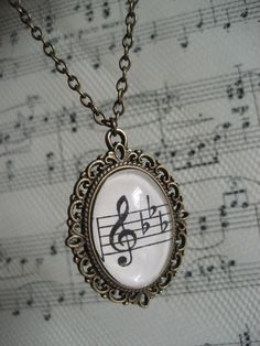 Wedding Song Sheet Music in a Necklace Locket Music Jewelry, Jewelry Box, Jewelry Accessories, Jewellery, Music Note Necklace, Music Stuff, Music Lovers, Ideias Fashion, Musicals