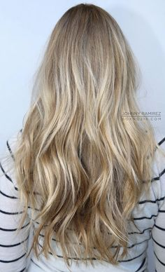 "want to go dark, I like my blonde hair, but I want to get away from my ""golden/sun bleached"" Summer hair and move towards a more ""Winterish Frost Blonde"".I think this tone/color would work. Summer Hairstyles, Pretty Hairstyles, Hair Day, New Hair, Hair Inspo, Hair Inspiration, Brown Blonde Hair, Blonde Sombre, Darker Blonde"