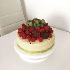 Fruit/buttercream  cake Buttercream Cake, Cakes, Fruit, Desserts, Food, Buttercream Ruffles, Tailgate Desserts, Deserts, Cake Makers