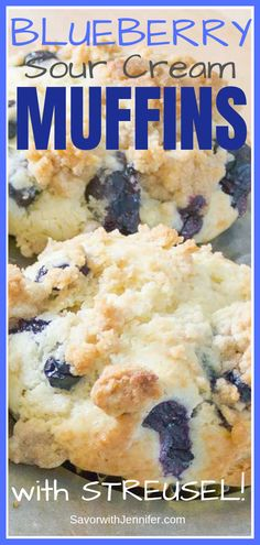 These easy, homemade muffins come together in minutes. The sour cream makes them perfectly moist with a tender crumb and adds just the right amount of depth to showcase the sweet, juiciness of the blueberries. The delicate crunch of the crumble topping is Blueberry Crumble Muffins, Homemade Blueberry Muffins, Cranberry Muffins, Blue Berry Muffins, Easy Blueberry Desserts, Blueberry Breakfast Recipes, Blueberry Cake, Blueberry Cheesecake, Breakfast Muffins