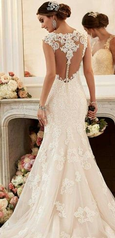 York Spring 2016 Bridal Collection Obsessed with Stella York's Spring 2016 Wedding Dress collection!Obsessed with Stella York's Spring 2016 Wedding Dress collection! 2016 Wedding Dresses, Wedding Attire, Bridal Dresses, 2017 Wedding, Wedding Ceremony, Event Dresses, Dresses Dresses, 2017 Bridal, Wedding Beach